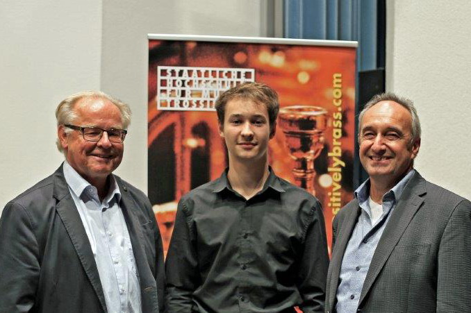 Hauptpreisträger Mattijs Heugen mit Ulrich Köbl und Prof. Wolfgang Guggenberger